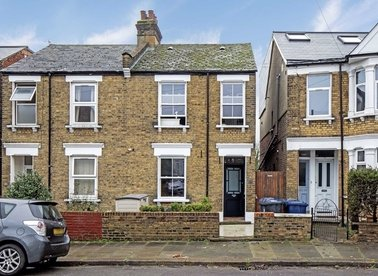 Properties for sale in Wells House Road - NW10 6ED view1