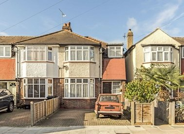 Properties sold in Westbrook Avenue - TW12 2RE view1