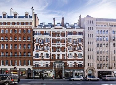Properties for sale in Westminster Palace Gardens - SW1P 1RR view1