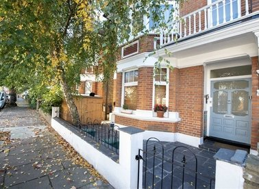 Properties for sale in Whitehall Gardens - W3 9RD view1