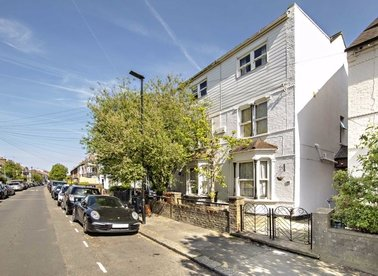 Properties for sale in Whitestile Road - TW8 9NR view1