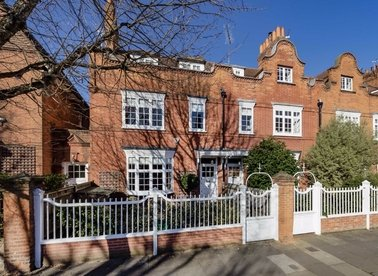 Properties sold in Woodstock Road - W4 1DT view1