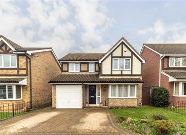Wychwood Close, Sunbury-On-Thames, TW16