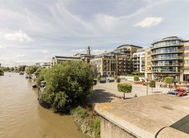 Properties to let in 8 Kew Bridge Road - TW8 0FG view1