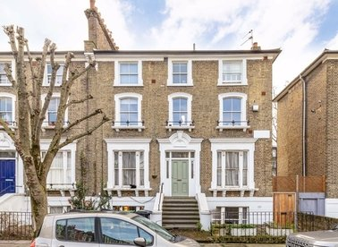 Properties to let in Bartholomew Road - NW5 2AH view1