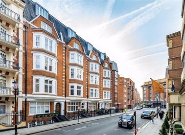 Properties to let in Basil Street - SW3 1AX view1