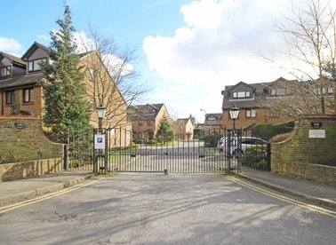 Properties to let in Benwell Court - TW16 6RU view1