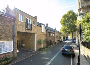 Properties to let in Boyne Terrace Mews - W11 3LR view1