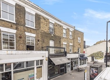 Properties to let in Broadway Market - E8 4QJ view1