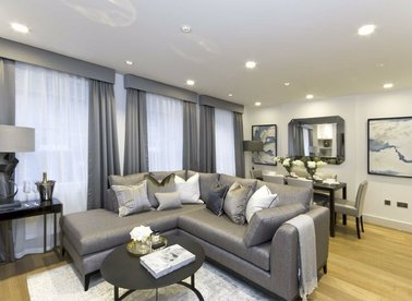Properties to let in Bruton Place - W1J 6LT view1