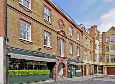 Properties to let in Bruton Place - W1J 6LY view1
