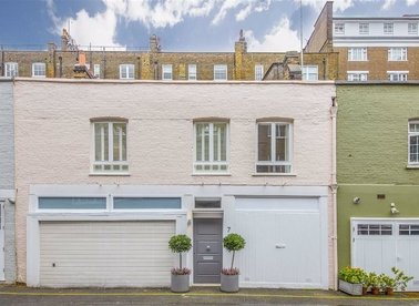 Properties to let in Bryanston Mews West - W1H 2BW view1