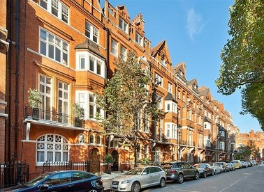 Properties to let in Cadogan Gardens - SW3 2RA view1
