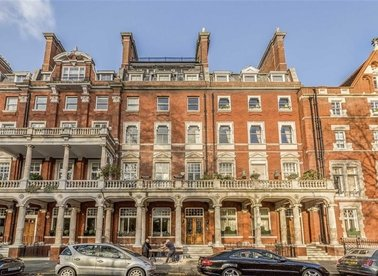 Properties to let in Cadogan Square - SW1X 0JU view1