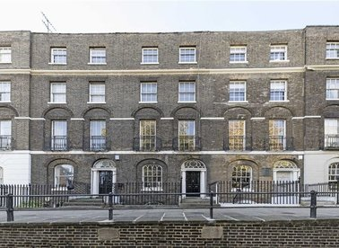 Properties to let in Canonbury Square - N1 2AU view1