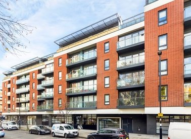 1 Bedrooms 1 Bathrooms short let flat to rent in Central Street - EC1V 8AZ view1