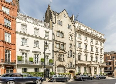 Properties to let in Charles Street - W1J 5DQ view1