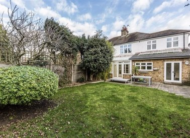 Properties to let in Chelwood Gardens - TW9 4JG view1