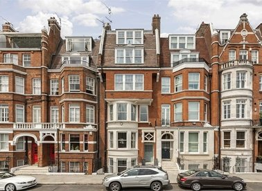 Properties to let in Cheyne Place - SW3 4HH view1