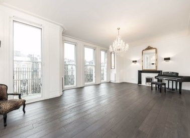 Properties to let in Cromwell Road - SW5 0SD view1