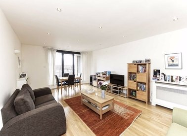 2 Bedrooms 2 Bathrooms short let flat to rent in Cromwell Road - SW7 4XE view1