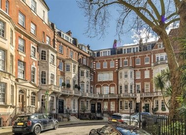 Properties to let in Egerton Place - SW3 2EF view1