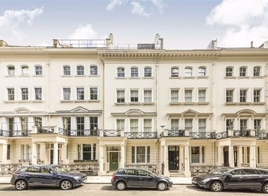Properties to let in Ennismore Gardens - SW7 1AH view1