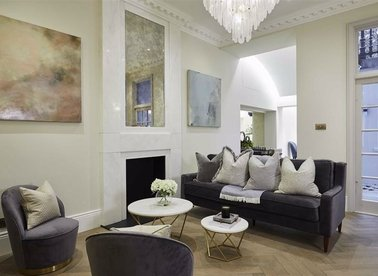 Properties to let in Ennismore Gardens - SW7 1AE view1