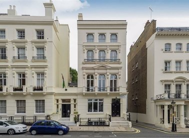 Properties let in Ennismore Gardens - SW7 1NH view1