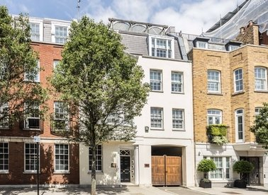 Properties to let in Farm Street - W1J 5RH view1