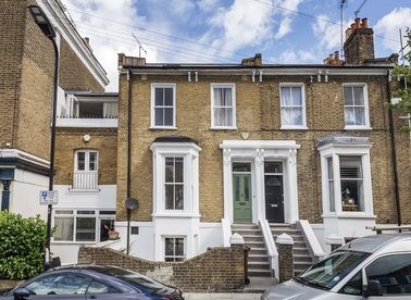 Properties let in Forest Road - E8 3BH view1