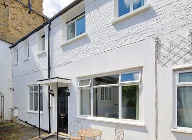 Properties to let in Friars Stile Place - TW10 6NL view1