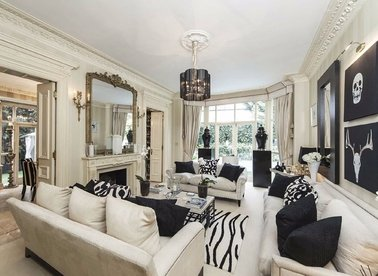 8 Bedrooms 8 Bathrooms short let house to rent in Frognal - NW3 6XY view1