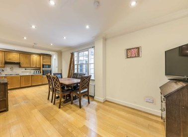 Properties to let in Gloucester Street - SW1V 4EG view1