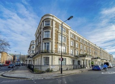 Properties to let in Gloucester Terrace - W2 6HR view1