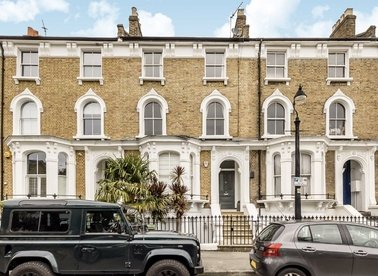 Properties let in Grafton Square - SW4 0DQ view1