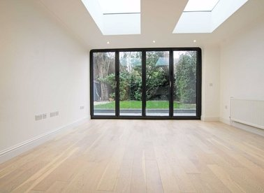 Properties to let in Granville Gardens - W5 3PA view1