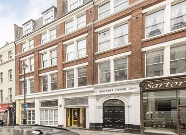 2 Bedrooms 1 Bathrooms short let flat to rent in Great Newport Street - WC2H 7JE view1
