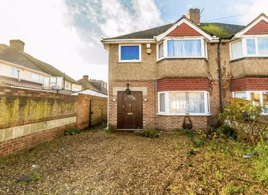 Properties to let in Grove Crescent - TW13 6LZ view1