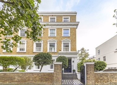 Properties to let in Hamilton Terrace - NW8 9QS view1