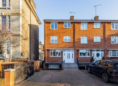 Properties to let in Harley Road - NW3 3BX view1