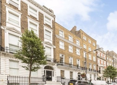 Properties to let in Harley Street - W1G 7HQ view1