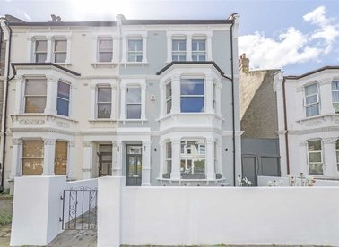 Properties to let in Harvist Road - NW6 6HB view1