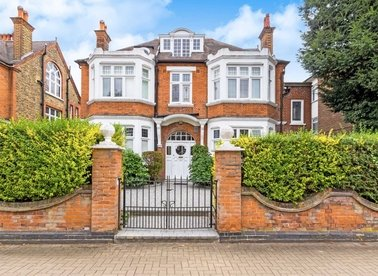Properties to let in Hazlewell Road - SW15 6LU view1