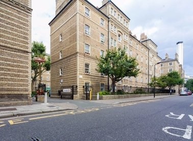 1 Bedrooms 1 Bathrooms short let flat to rent in Herbrand Street - WC1N 1JP view1