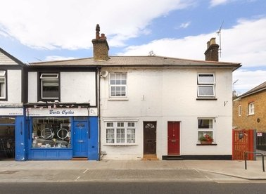 Properties to let in High Street - TW12 1NH view1