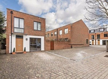 Properties to let in Hutton Mews - SW15 5HZ view1