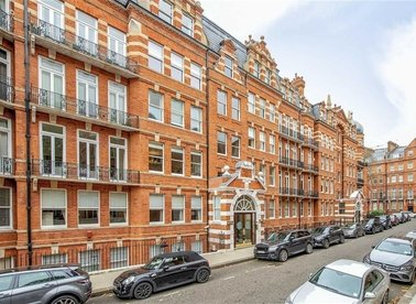 Properties to let in Kensington Court - W8 5DT view1