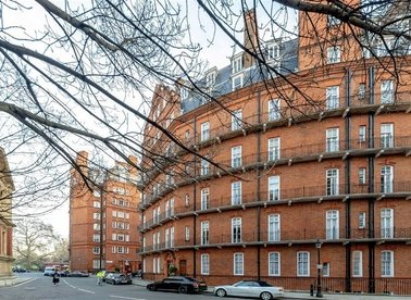 Properties to let in Kensington Gore - SW7 2AW view1