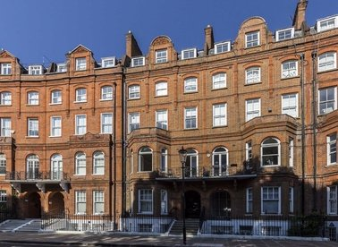 Properties to let in Lennox Gardens - SW1X 0DG view1